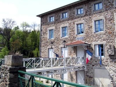 La mairie de La Terrasse sur Dorlay
